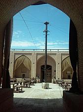 هتل سنتی مهریز