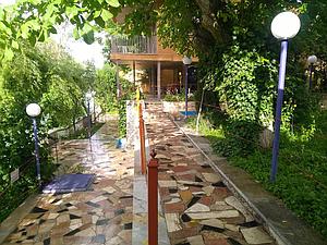 اجاره ویلا استخردار در باغ بهادران